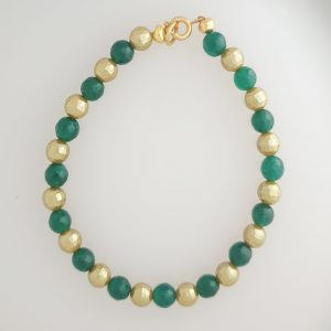 Green Agate and Gold Coloured Shell Pearl Bracelet with Gold Bolt Ring Fastening
